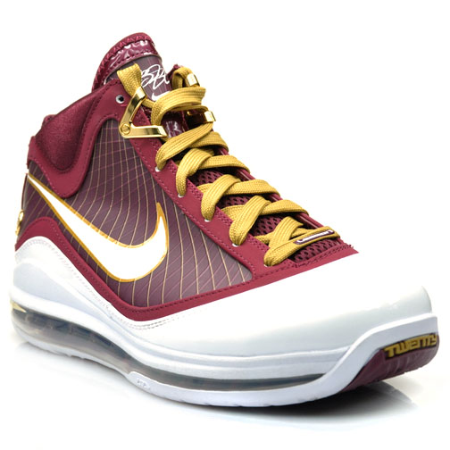 "Nike LeBron 7 Retro ""Christ The King"" вернутся в декабре 2020 года"