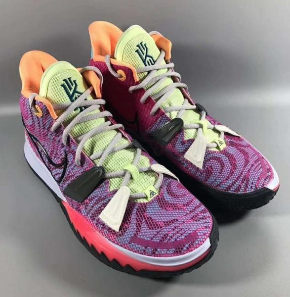 Первое знакомство с Nike Kyrie 7 «Hendrix»