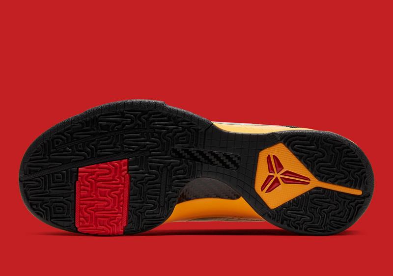 """Официальные фото Nike Kobe 5 Protro """"Bruce Lee"""", вдохновленные комбинезоном Брюса Ли"""