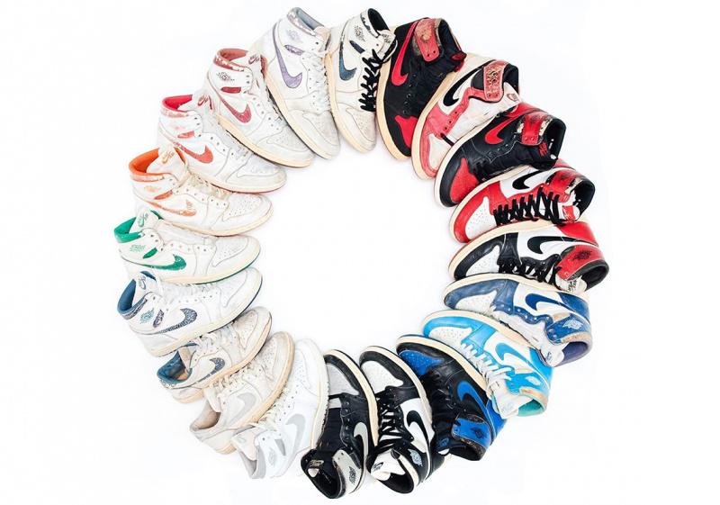 Коллекционеру кроссовок удалось собрать эксклюзивный набор оригинальных Air Jordan 1