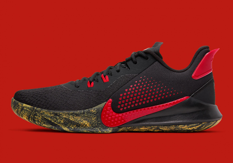 """Официальные фотографии Nike Mamba Fury Alternate """"Bruce Lee"""""""