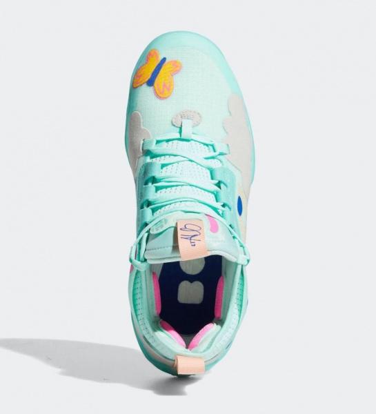 Фото забавной расцветки кроссовок Джеймса Хардена adidas Harden Vol. 5 Chapter 2 «Support»