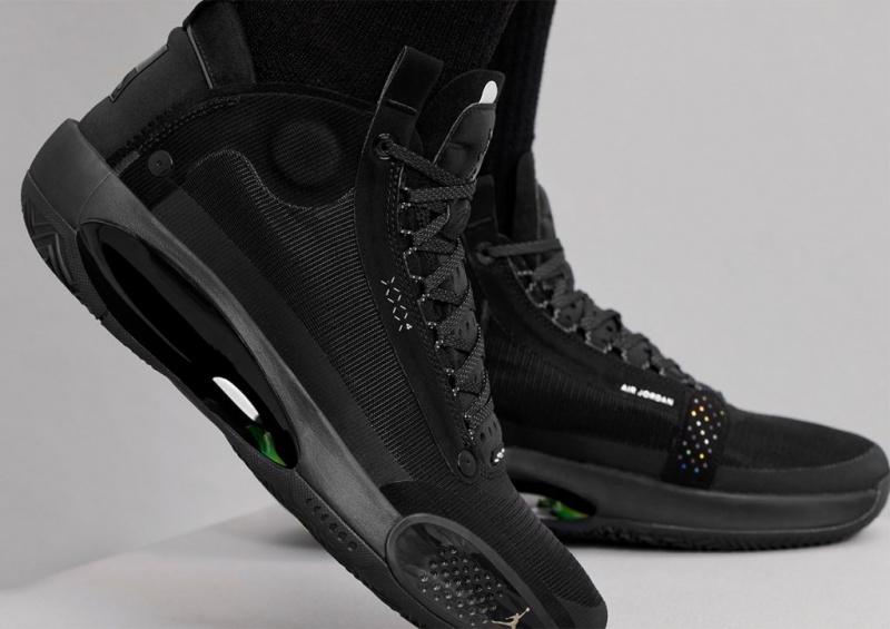 Официальные фото Air Jordan 34 'Black Cat'