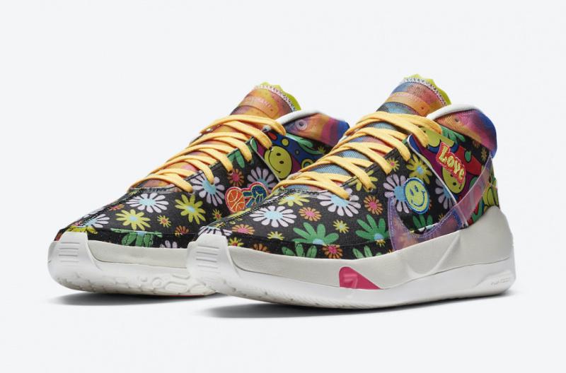 Официальные фото новой расцветки баскетбольных кроссовок Кевина Дюрэнта