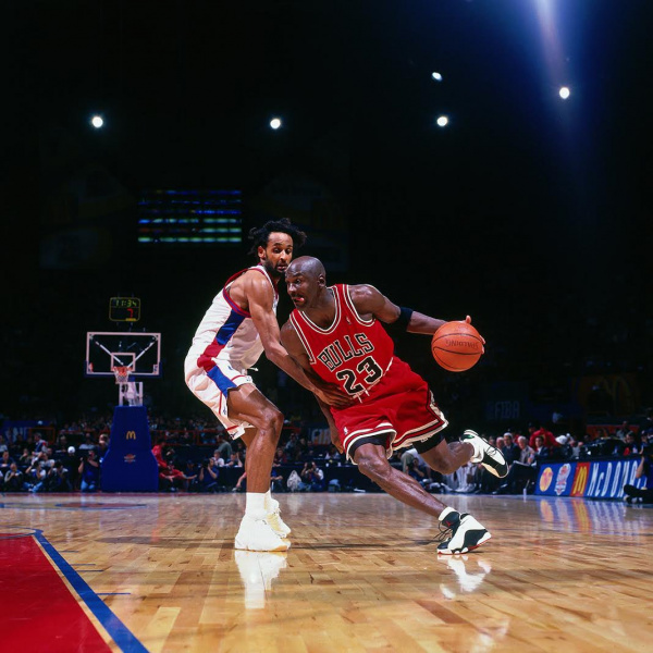"Детальный взгляд на Air Jordan 13 ""Reverse He Got Game"""