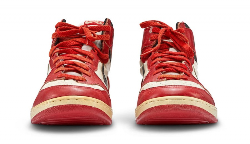 Кроссовки Майкла Джордана Air Jordan 1 «Chicago» Player Sample выставлены на аукцион