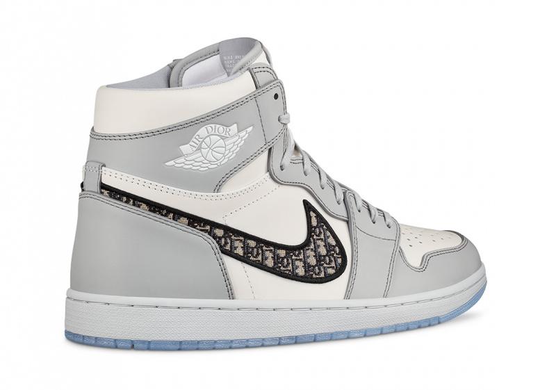 Первый взгляд на DIOR x Air Jordan 1