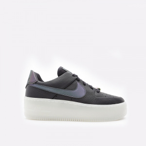 Женские кроссовки Nike Air Force 1 Sage Low LX AR5409-004